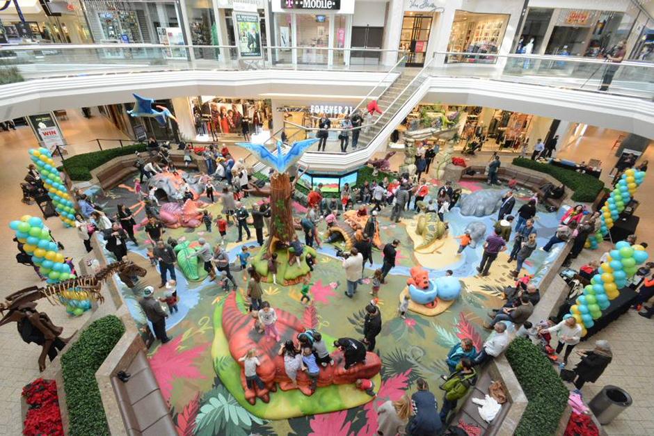 PLAYTIME-Cherry-Creek-Shopping-Center-Dinosaur-Gulch-Play-Area-1-940x627