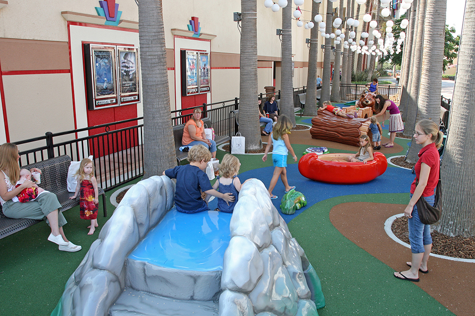 PLAYTIME-The-Shops-at-RiverPark-Outdoor-Play-Area-940x627