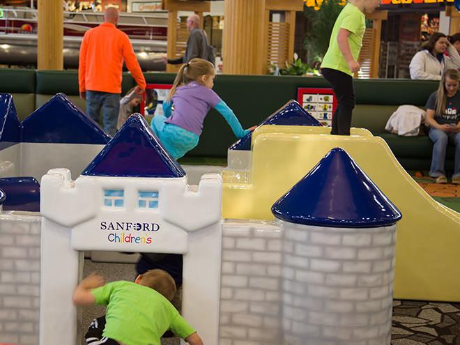 Kirkwood-Mall-Play-Area-3-660x660