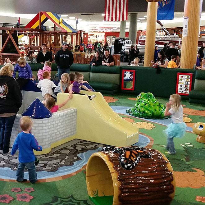 Kirkwood-Mall-Play-Area-4-660x660