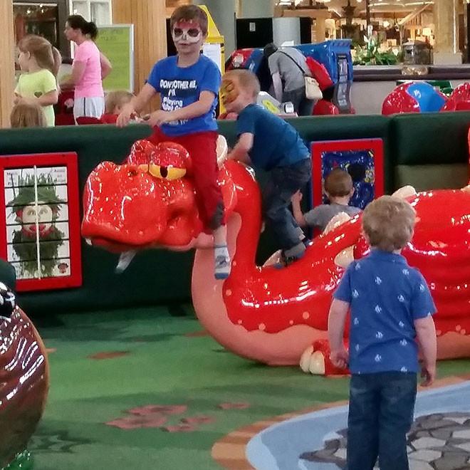 Kirkwood-Mall-Play-Area-6-660x660