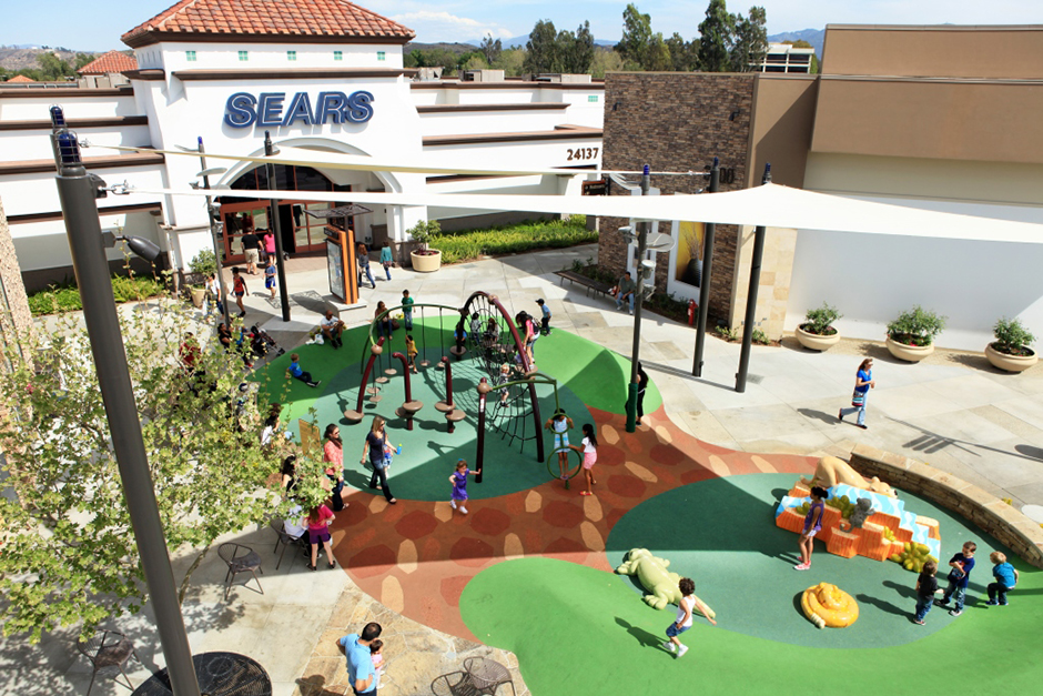 Outdoor play area at Mall