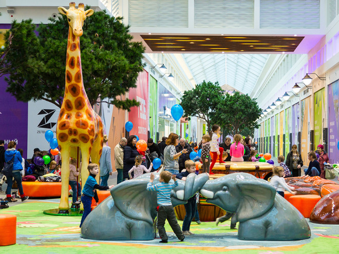 Dueling Elephants PLAYTIME sculpture in mall